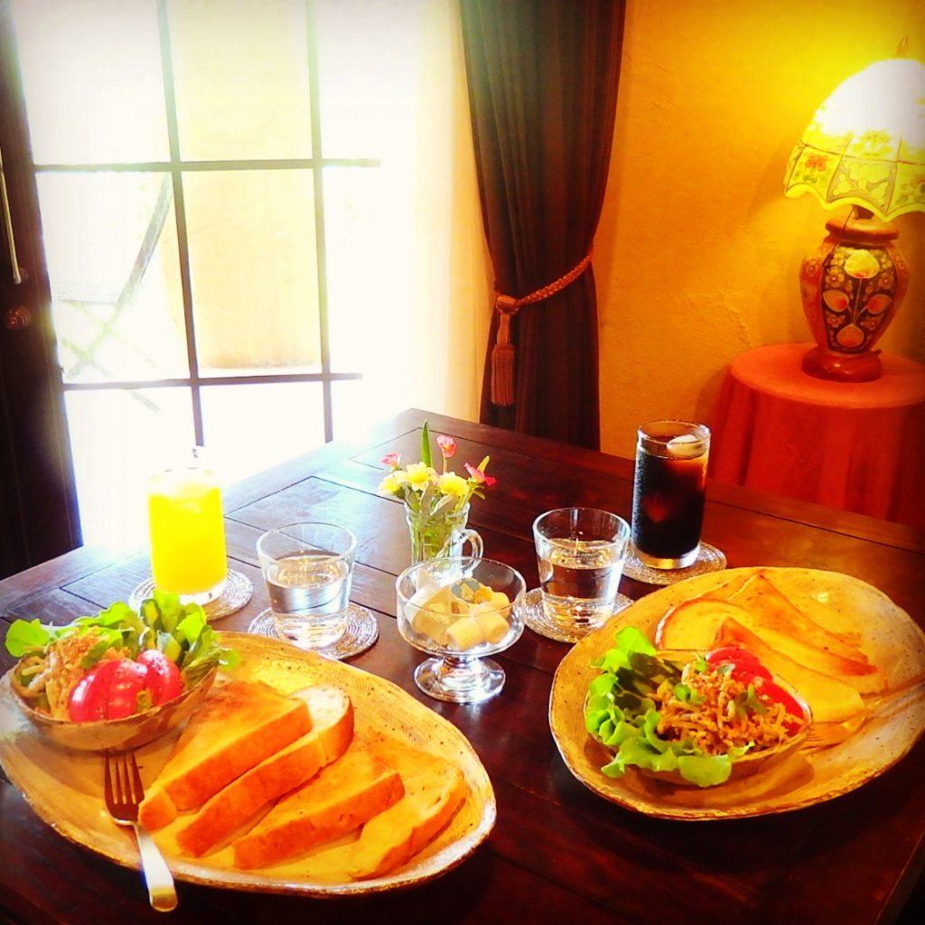 ラサ・コスミカツーリストホーム 朝食
