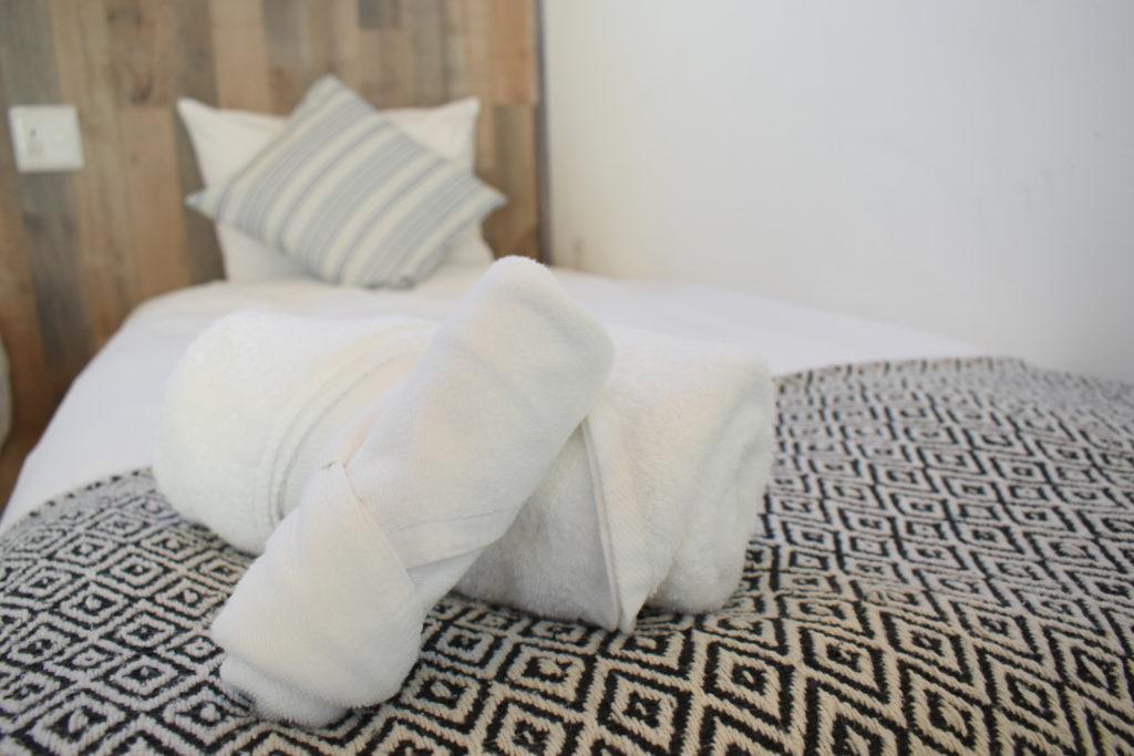RuGu Simmons製ベッド