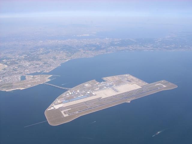 上空から見た中部国際空港(セントレア)
