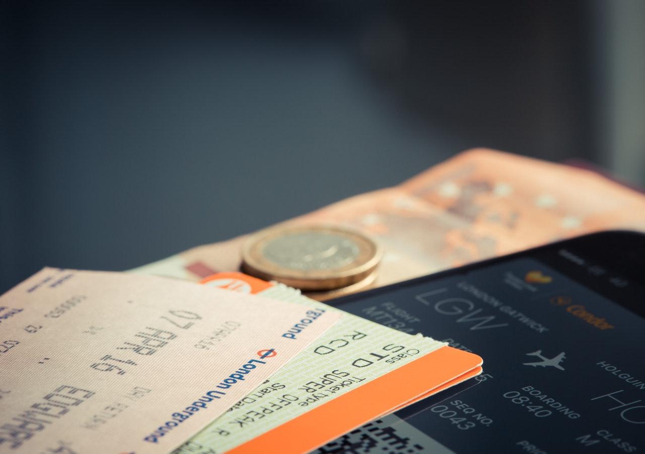 チケットとコイン